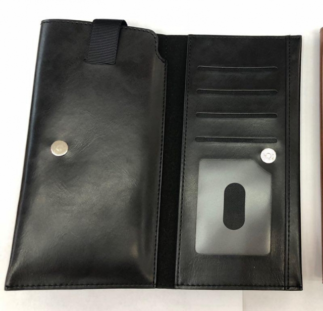 PULL UP POUCH WITH CARD SLOT BLACK MEDIUM