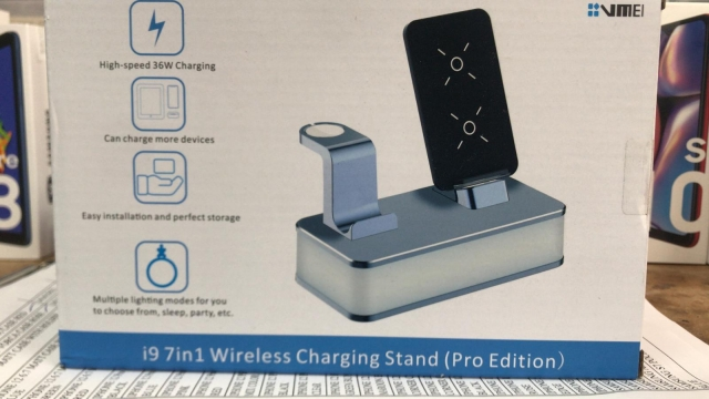 9 IN 1 WIRELESS CHARGING STAND
